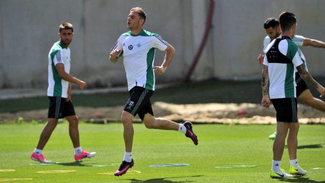 Joaquín hace un sprint en el entrenamiento de este jueves.