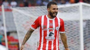 Felipe Gallegos, festajando un gol ante Querétaro.