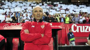 Sampaoli dirigiendo al Sevilla