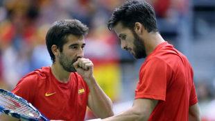 Marc K�pez y Feliciano en el partido de Copa Davis ante Croacia.