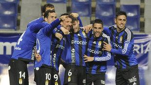 Los jugadores del Oviedo durante un partido de Liga