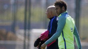 Neymar, en el entreno de este sábado.