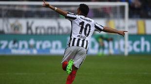 El mexicano suma siete goles en el torneo