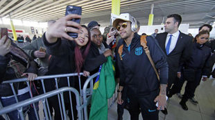 Neymar, a su llegada a París para jugar un partido de Champions.