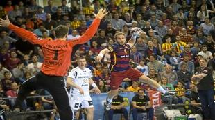 Víctor Tomás ante Niklas Landin en la eliminatoria de la pasada...