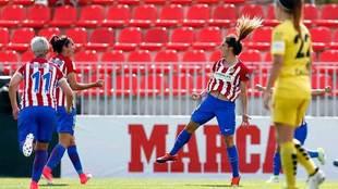 Las jugadoras del Atlético celebran uno de los goles ante el Santa...