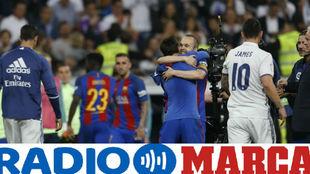 Leo Messi celebra el gol de la victoria en el estadio Santiago...