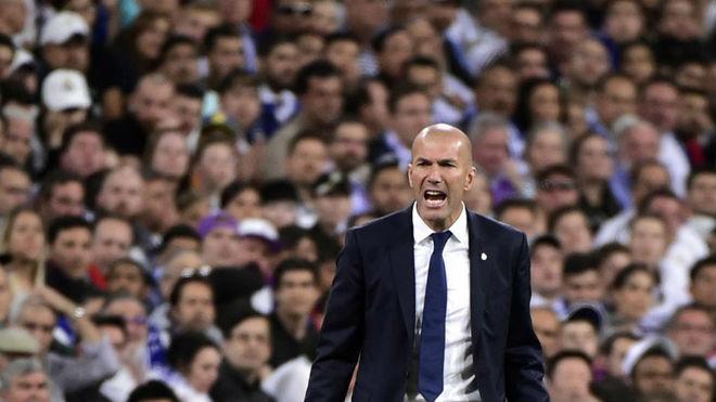 Zidane  trách các học trò thi đấu thiếu suy nghĩ