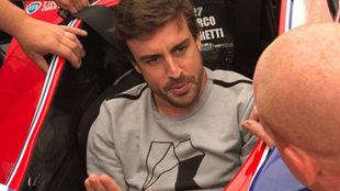 Fernando Alonso, durante su visita al GP de Alabama de IndyCar.