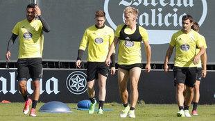Los jugadores del Celta durante un entrenamiento