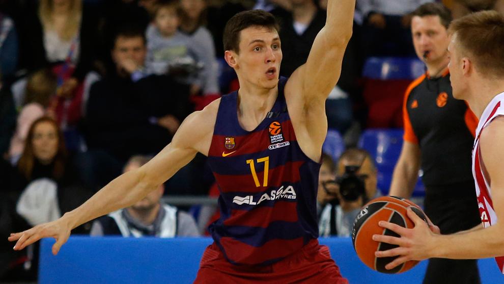 Kurucs jugando con el Barcelona en la Euroliga