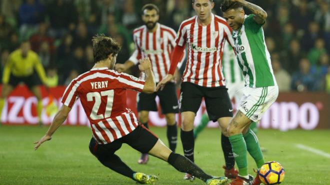 Yeray, en una acción defensiva en el último Betis-Athletic.