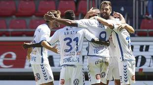 Los jugadores del Tenerife celebran su gol ante el Numancia en Los...