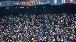 Aficionados del Barcelona durante un encuentro en el Camp Nou.