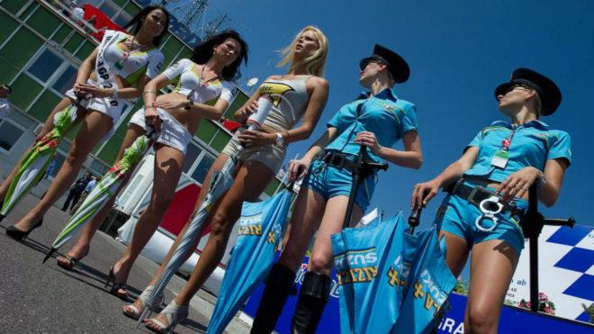 Paragüeras en el Gran Premio de MotoGP en la República Checa de...