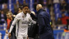 Varane y Zidane, tras el triunfo en Riazor