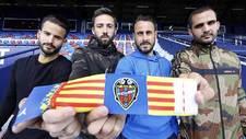 Los cuatro capitanes granotas Rub�n, Morales, Pedro L�pez y Verza...