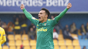 Álvaro García celebrando el segundo gol de Cádiz