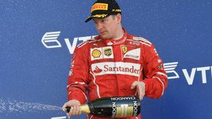 Raikkonen, en el podio.