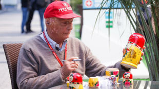 Niki Lauda, respondiendo a las preguntas de MovistarTV
