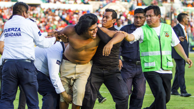 Detenido por la invasión al estadio