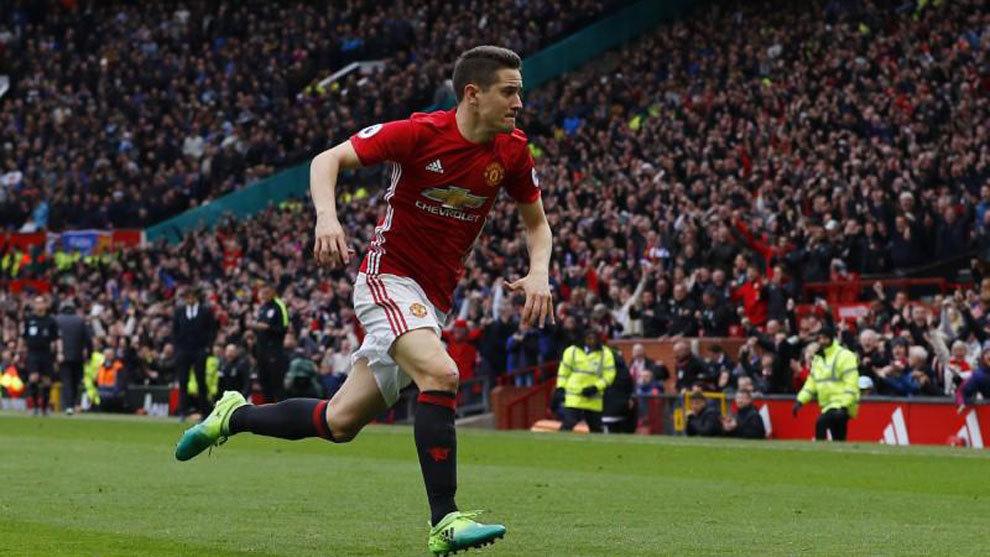 Ander Herrera celebrando un gol con el United
