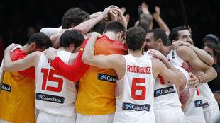 España celebra su triunfo en el Eurobasket de 2015 en Francia