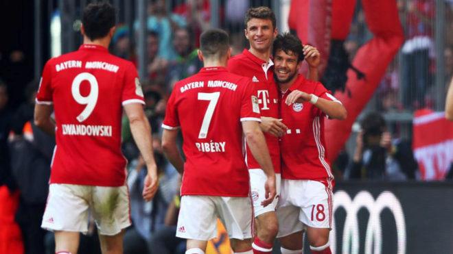 Bernat celebra su gol al Darmstadt.