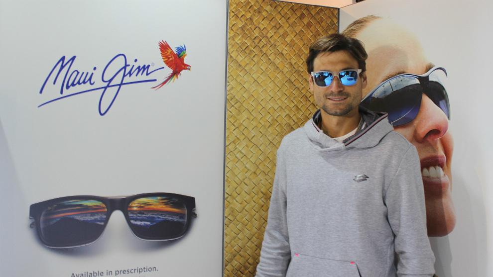 David Ferrer posa con unas gafas Maui Jim, marca de la que es...