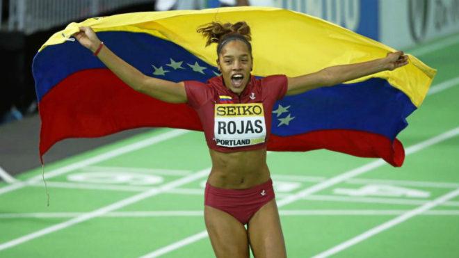 Yulimar Rojas celebra su victoria en el Mundial en pista cubierta de...