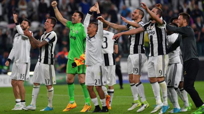 Los jugadores de la Juventus celebran su pase a la final.