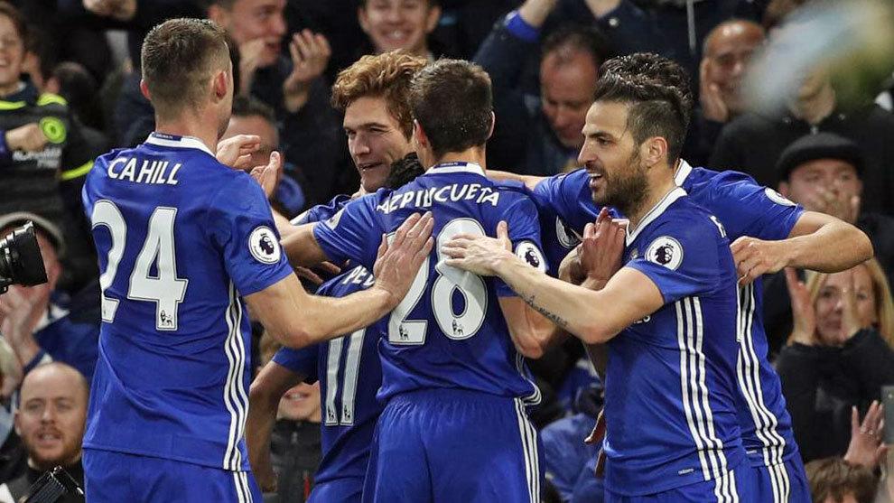 Jugadores del Chelsea celebrando un gol, esta temporada.