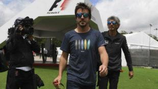 Fernando Alonso en el circuito de Montmel�