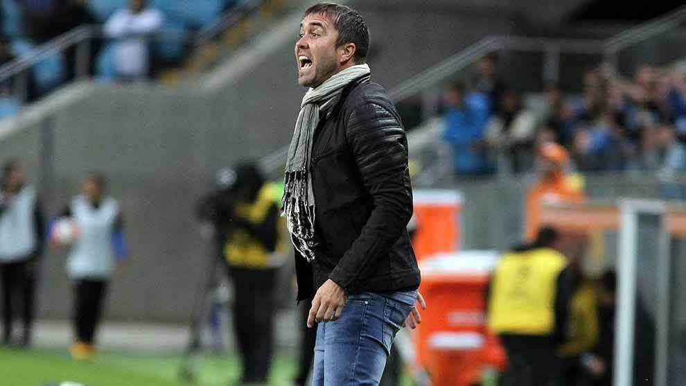Eduardo Coudet durante un partido de Copa Libertadores con Rosario...