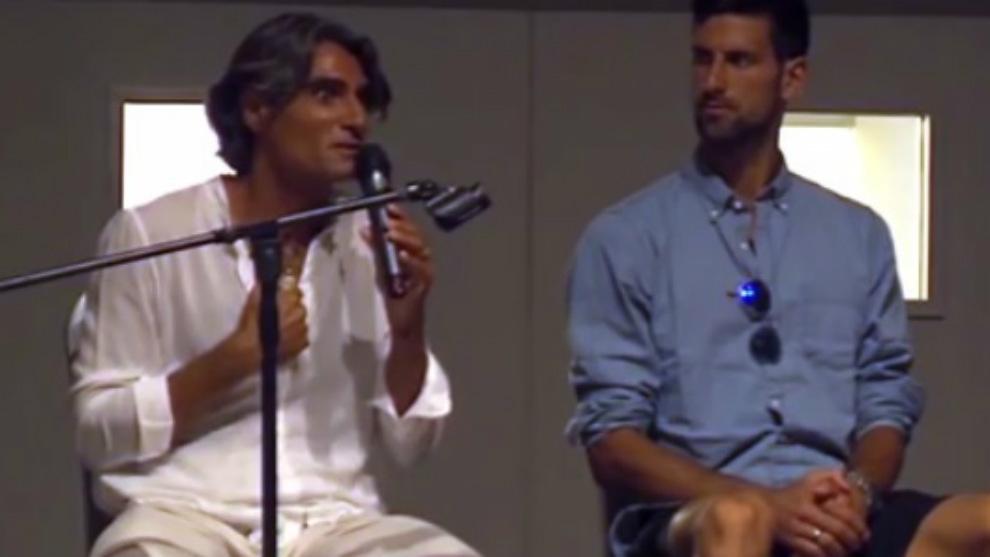 Pepe Imaz, junto a Novak Djokovic en un acto de la escuela de Pepe...