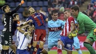 Huesca-Tenerife y Levante-Girona son los dos partidos más atractivos...