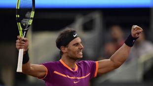 Rafa Nadal celebra su victoria ante Goffin en Madrid.