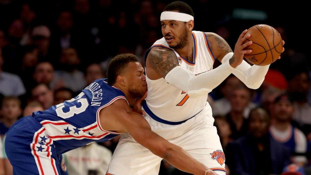 Carmelo Anthony (Knicks), defendido por Justin Anderson (Sixers)