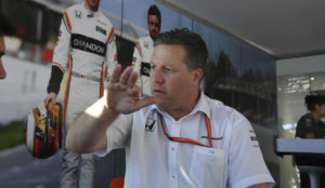 Zak Brown, atendiendo a MARCA