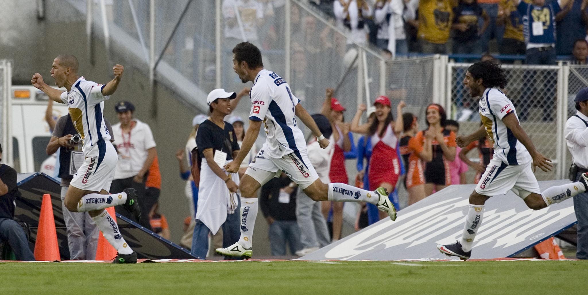 El gol de Darío Verón le dio el pase a Pumas a la final del Clausura...