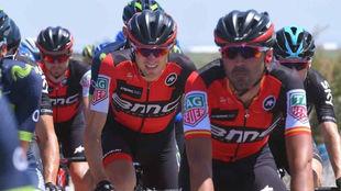 Fran Ventoso lleva a rueda a Tejay Van Garderen en la etapa del...
