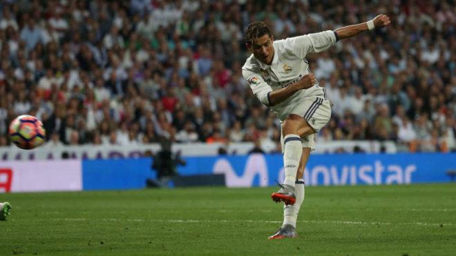Cristiano remata el 3-1 ante el Sevilla.