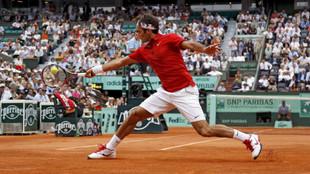 Roger Federer juega en Roland Garros