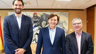 Jorge Garbajosa (a la izquierda), Jos� Ram�n Lete y Francisco Roca.