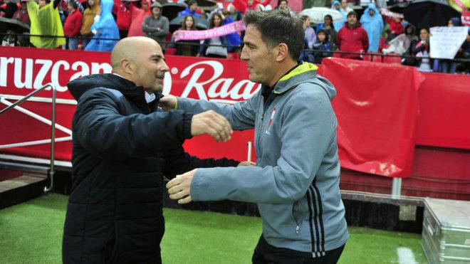 Sampaoli y Berizzo se abrazan antes del Sevilla-Celta de esta...