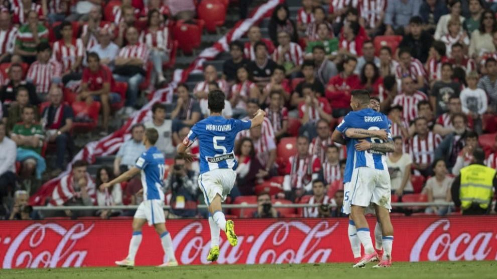 Los madrileños celebran el gol que les asegura la permanencia en...