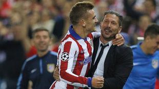 Griezmman y Simeone festejando un gol
