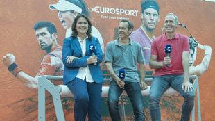 Conchita Martínez, Jordi Arrese y Alex Corretja durante la...