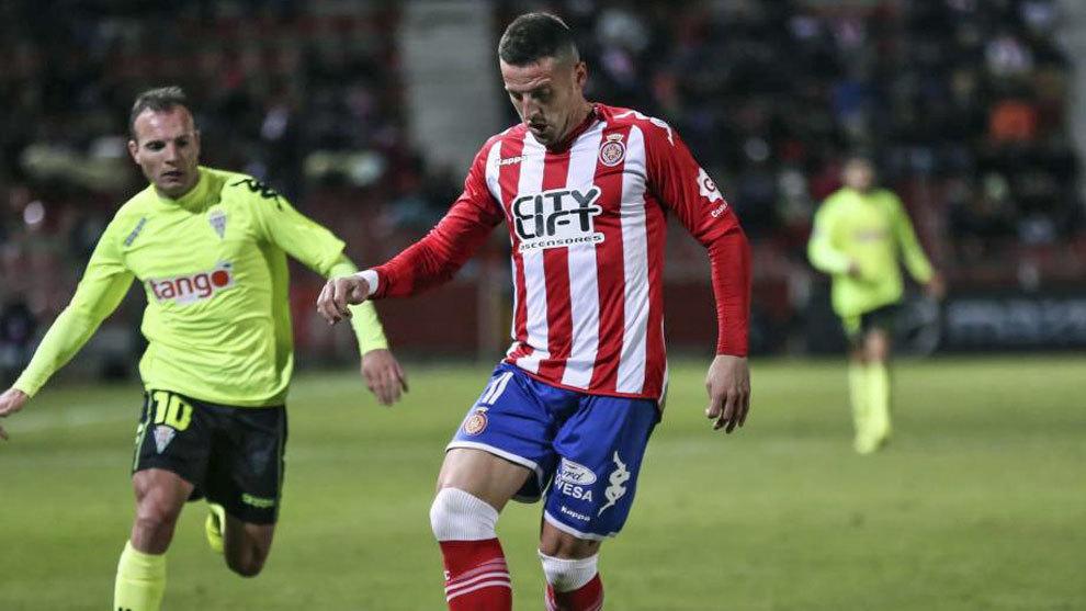 Aday, ante Juli, durante el partido ante el Córdoba de esta temporada