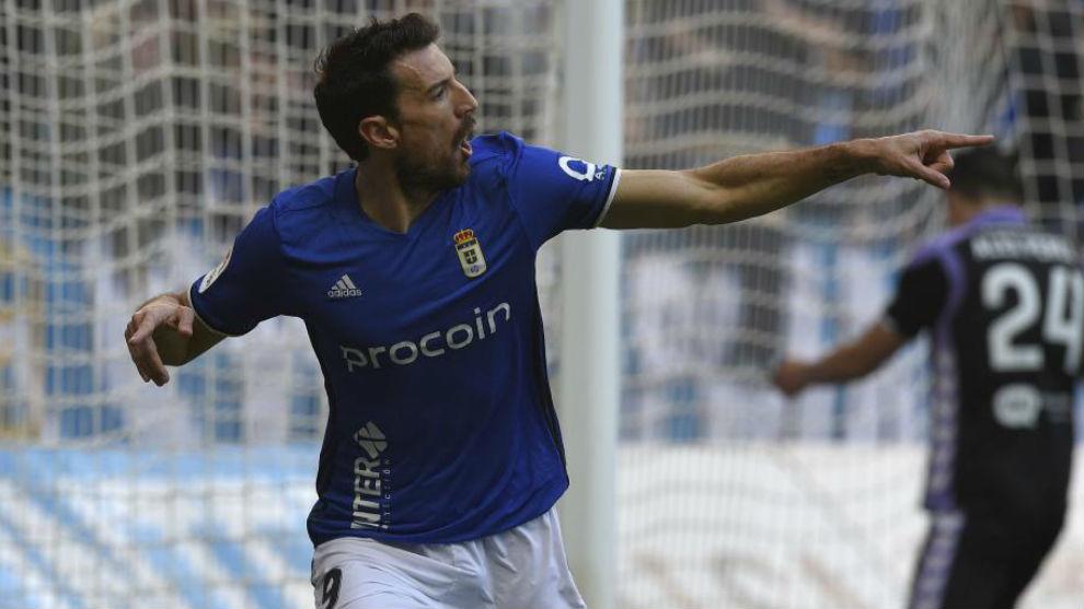 Toché celebra un gol esta temporada con el Oviedo.